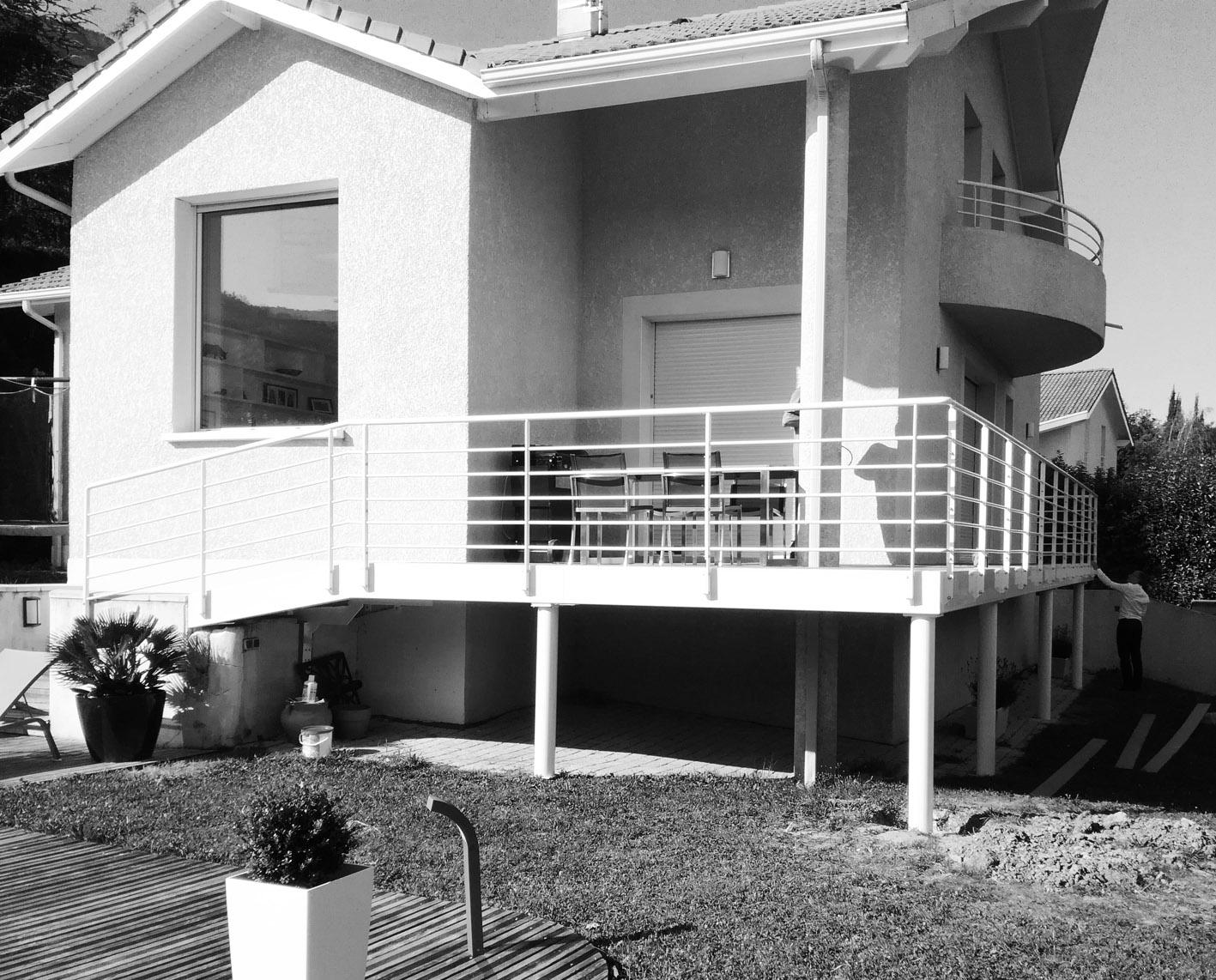Terrasse et garde-corps