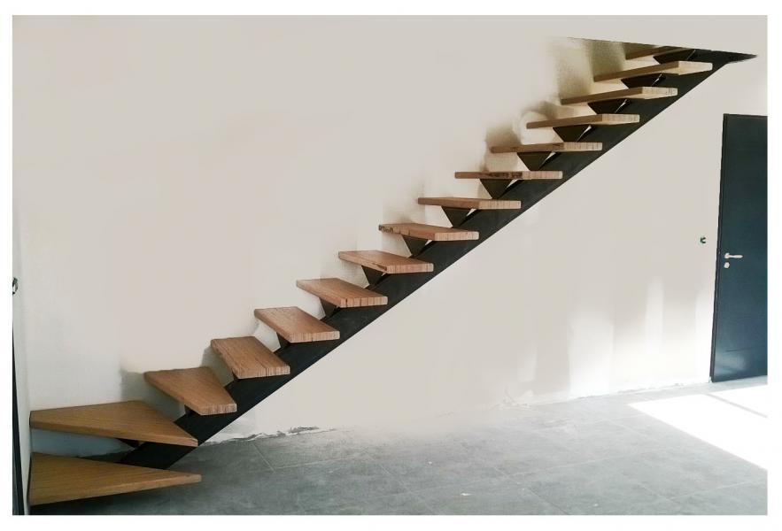 Limon d 39 escalier quart tournant en acier - Limon d escalier metal ...